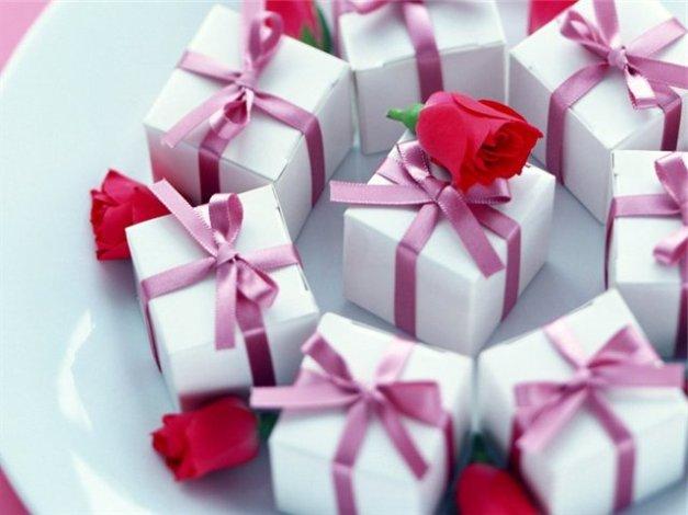 а. приметы о свадебных подарках
