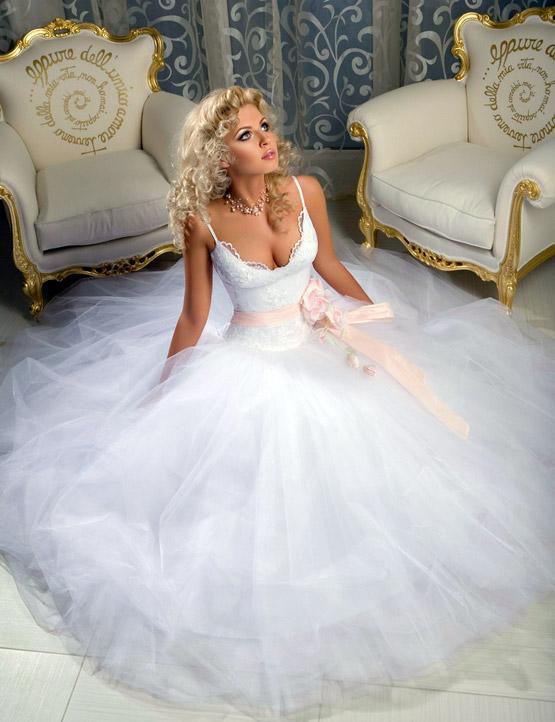 приметы для невесты как примерять свадебное платье