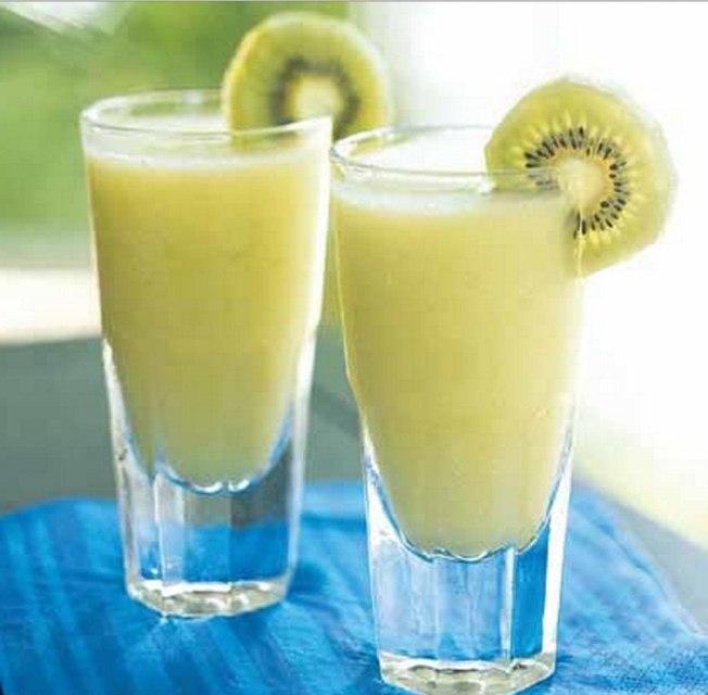 а. 1. молочно ванильный коктейль с киви и бананом...