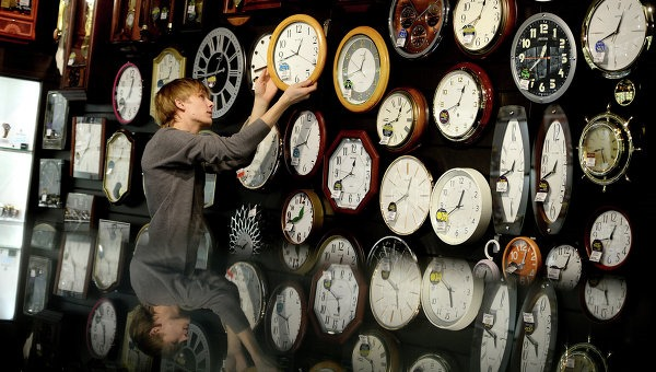 перевод часов в России на 1 час вперед в 6 регионах