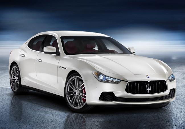 5-Samye-bezopasnye-mashiny-v-mire-Maserati-Ghibli