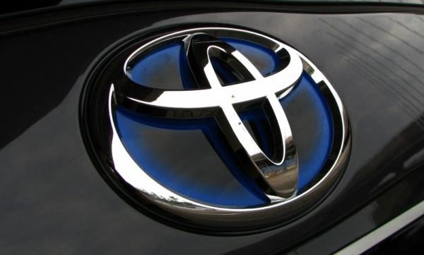 Toyota-sozdast-avto-s-iskusstvennym-intellektom-v-2020-godu