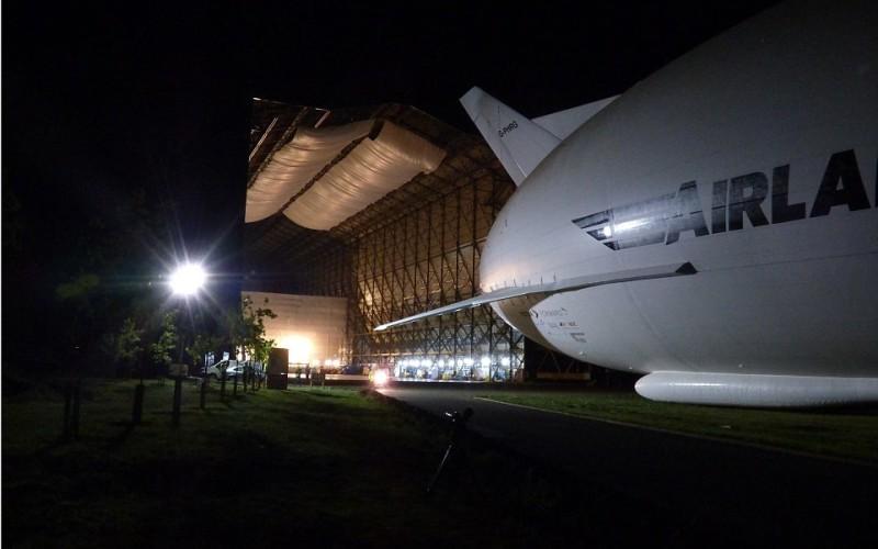 самое большое в мире гибридное воздушное судно Airlander 10 (2)