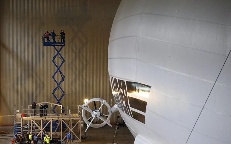 самое большое в мире воздушное судно Airlander 10 (1)