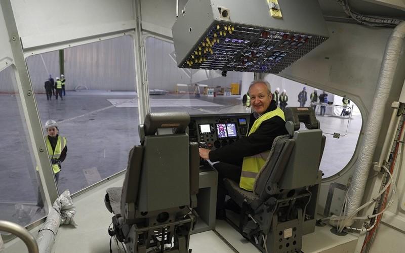 самое большое в мире воздушное судно Airlander 10…