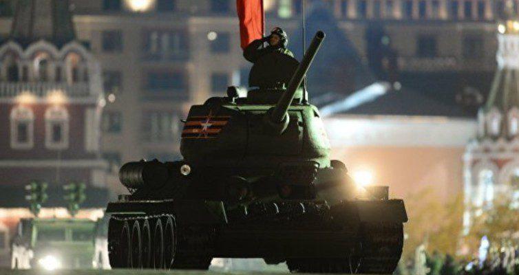 K-70-letiyu-Dnya-tankista-vpervye-opublikovano-video-boevyh-vozmozhnostej-tanka-T-14-Armata