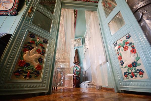 V-dome-kuznetsa-Kirillova-vnutri-doma-8