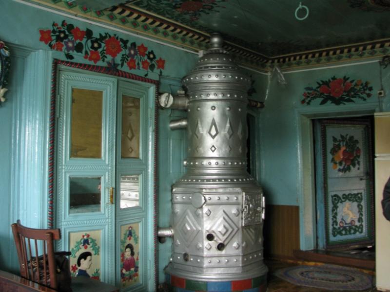 V-skazochnom-dome-kuznetsa-Kirillova-vnutri-doma-5