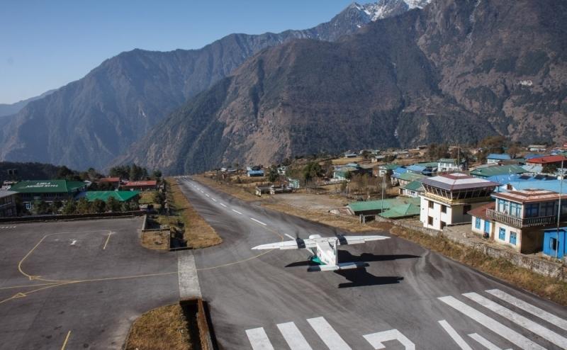 Aeroport-imeni-Tentsinga-i-Hillari-gorod-Lukla-Nepal
