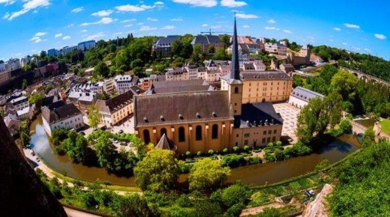 Samye-vysokie-zarplaty-v-mire-top-10-stran-Lyuksemburg-1-mesto