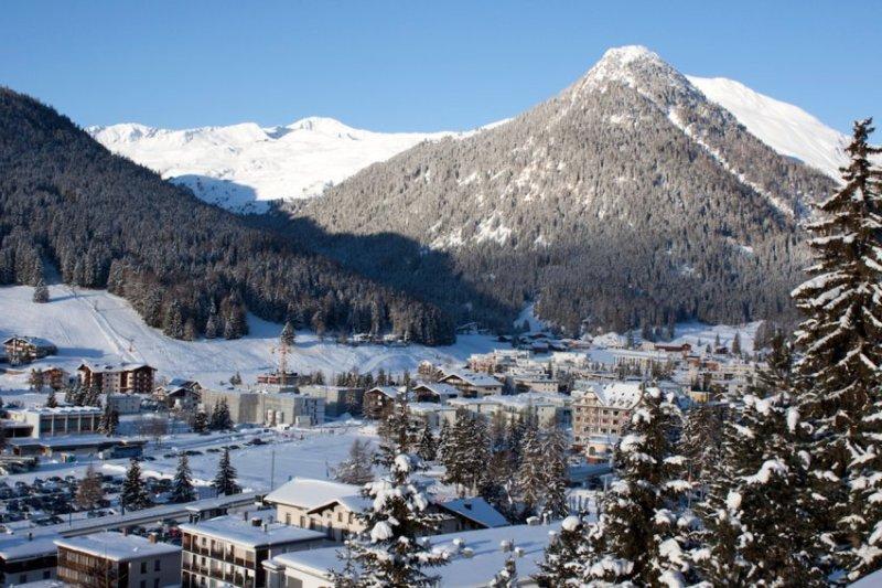 Samye-luchshie-zimnie-kurorty-SHvejtsarii-Davos