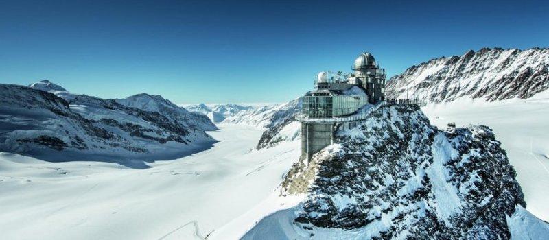 Samye-luchshie-zimnie-kurorty-SHvejtsarii-Grindelvald-gora-YUngfrau-vershina-Evropy