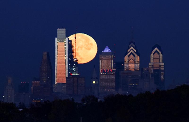 Superlunie-v-Filadelfii-noyabr-2016
