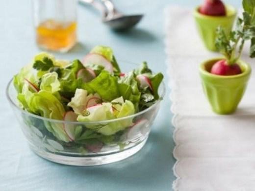 Pasha-retsepty-prazdnichnyh-blyud-vesennij-salat