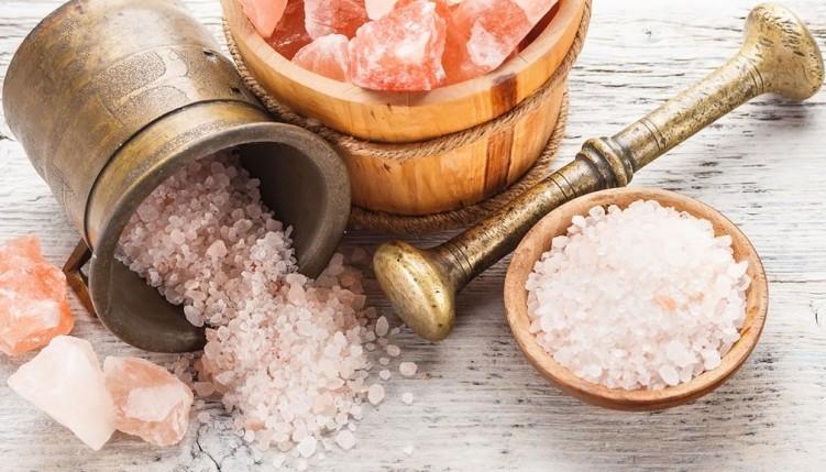 Poleznye-svojstva-belogo-zolota-morskaya-sol