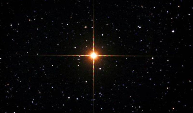 zvezda-Betelgejze-krasnyj-sverhgigant
