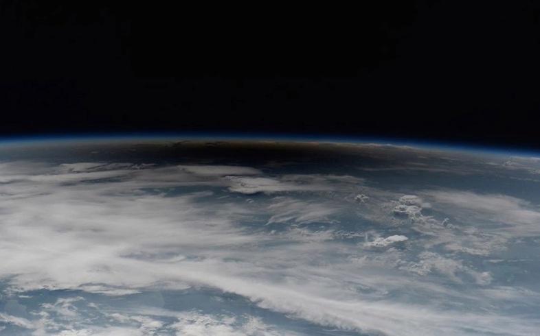 solnechnoe-zatmenie-2017-luchshie-fotografii-obzor