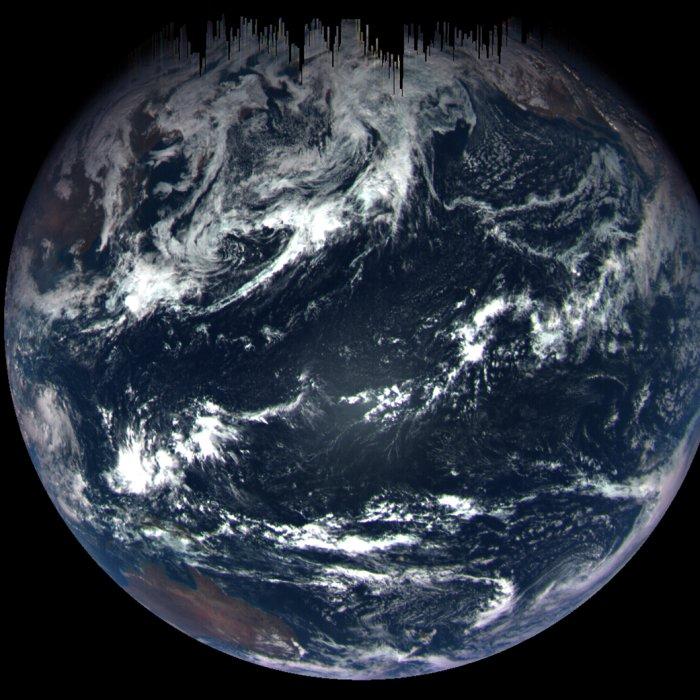 polet-k-osteroidu-Bennu-pozvolil-kosmonavtam-sdelat-snimki-Zemli-s-rastoyaniya-170-tysyach-kilometrov...