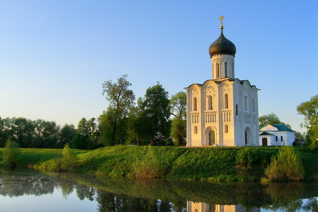 Pokrov-Presvyatoj-Bogoroditsy-tserkov-Pokrova-na-Nerli