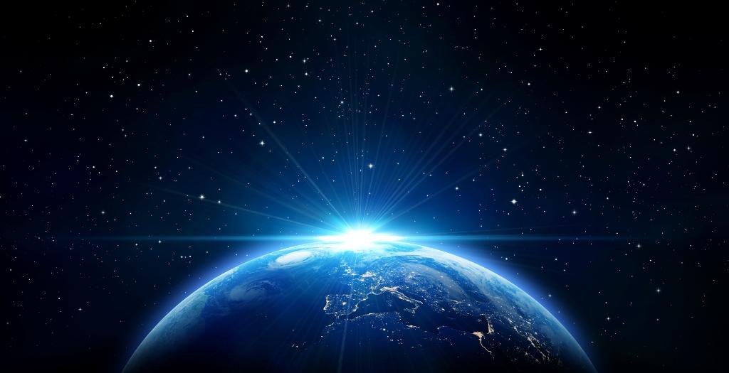 planeta-Zemlya-samaya-krasivaya-zhemchuzhina-v-kosmose