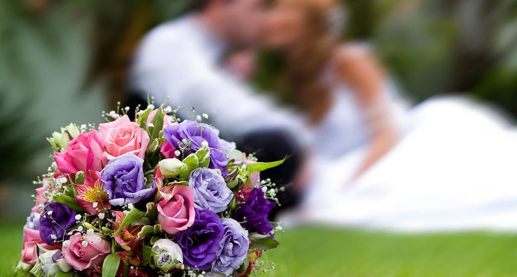 pozdravleniya-s-dnem-svadby-v-stihah-krasivye-i-trogatelnye