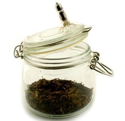 zametki-o-pravilnom-hranenie-tabaka-i-sigar-germetichnaya-banka-foto
