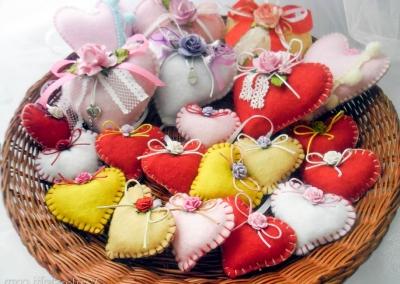 gadanie-na-den-vlyublennyh-14-fevralya-dnya-svyatogo-valentina-po-serdechkam-igolnitsam