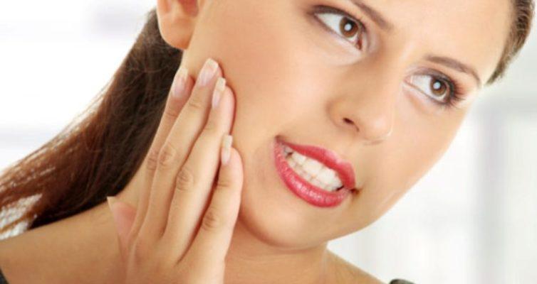 narodnye-sredstva-ot-zubnoj-boli-obezbolivayushhie-prirodnye-komponenty
