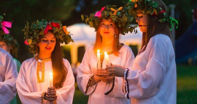 gadaniya-primety-obychai-i-traditsii-na-duhov-den...