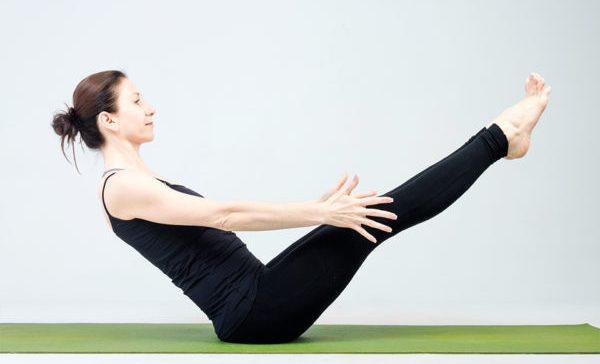 mozhno-li-pohudet-s-pomoshhyu-jogi-joga-dlya-nachinayushhih-video-uroki-po-joge-uprazhnenie-paripurna-navasana
