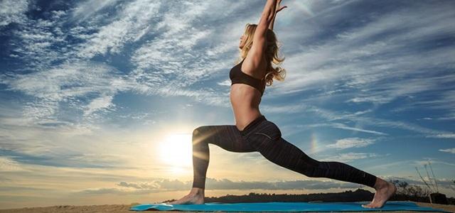 mozhno-li-pohudet-s-pomoshhyu-jogi-joga-dlya-pohudeniya-krasoty-i-strojnosti-poza-virabhadrasana-poza-voina