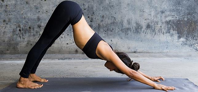 mozhno-li-pohudet-s-pomoshhyu-jogi-joga-dlya-pohudeniya-krasoty-i-strojnosti-uprazhnenie-poza-sobaka
