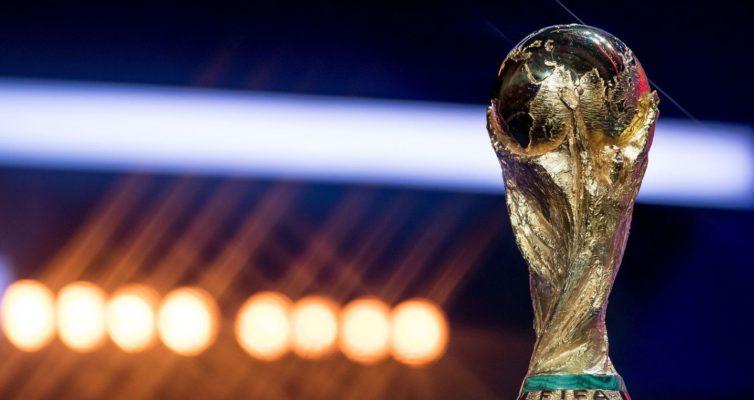 kakie-prizovye-na-CHM-po-futbolu-2018-za-vyigryshi-i-perehody-iz-18-v-14-v-polufinal-i-final-u-sbornoj-Rossii