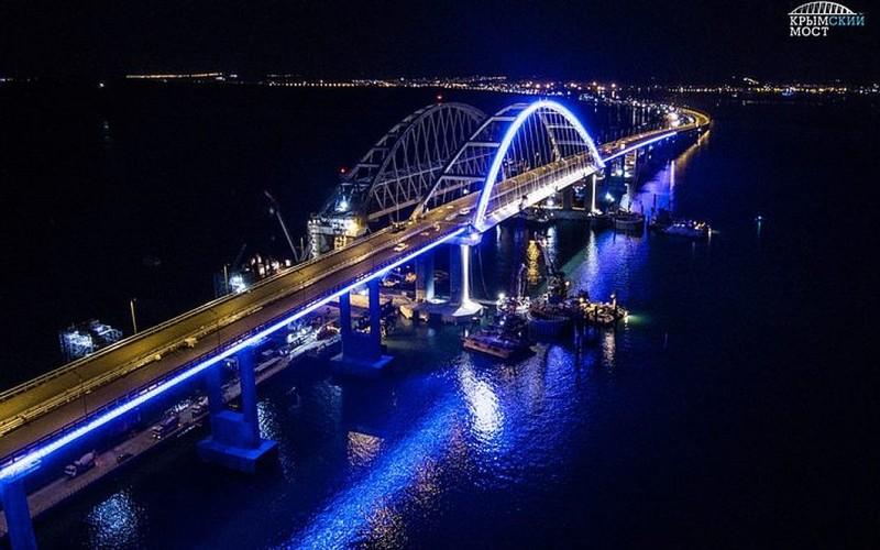 Krym-krymskij-most-dlina-19-km