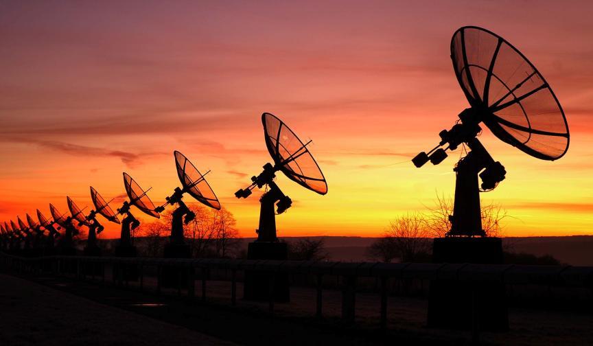 uchenye-rasshifrovali-radiosignal-postupayushhij-s-drugoj-ochen-dalekoj-galaktiki-ot-zemli...