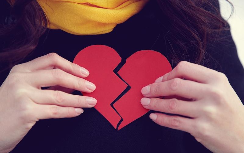 Test-Viktorina-Uznajte-zakonchitsya-li-vash-brak-razvodom-ili-zhe-takomu-sobytiyu-ne-byvat-foto-razbitoe-serdtse