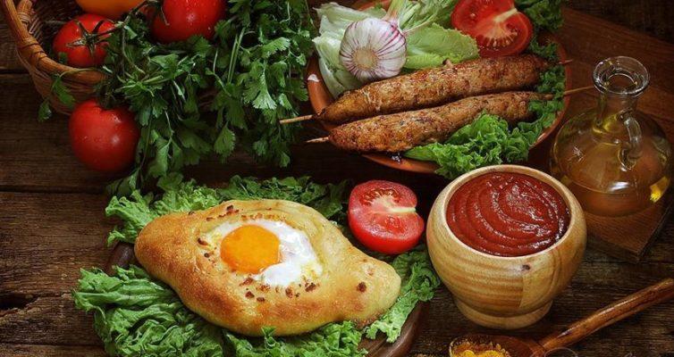 Kulinarnyj-Test-Ugadajte-lishnij-ingredient-v-9-abhazkih-blyud-na-foto-abhazkoe-hachapuri-drugie-blyuda