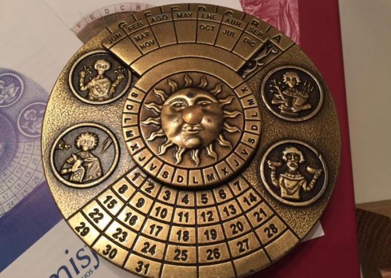 sem-dnej-narodnye-primety-na-kazhdyj-den-nedeli-na-foto-vechnyj-kalendar-drevnij-ispanskij