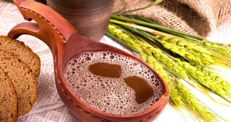 kulinarnye-primety-narodnye-poverya-o-blyudah-i-pishhevyh-produktah-foto-kvas-hleb