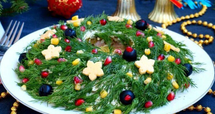 salat-rozhdestvenskij-venok-s-govyazhim-yazykom-i-marinovannym-ogurchikom-retsept-prigotovleniya-foto-salata