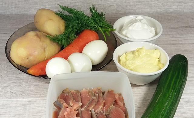 vkusnyj-sloenyj-salat-razdnik-iz-krasnoj-ryby-poshagovyj-retsept-s-foto-podgotovka-produktov-1
