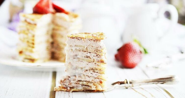 Blinnyj-tort-s-tvorogom-i-bananami-retsept...