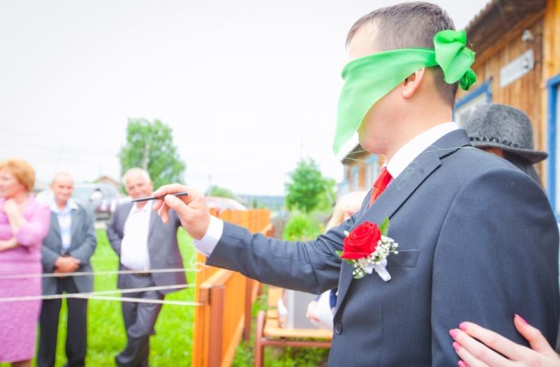 chem-mozhno-zamenit-traditsionnyj-vykup-nevesty-iz-roditelskogo-doma-foto-svadba-vykup-nevesty