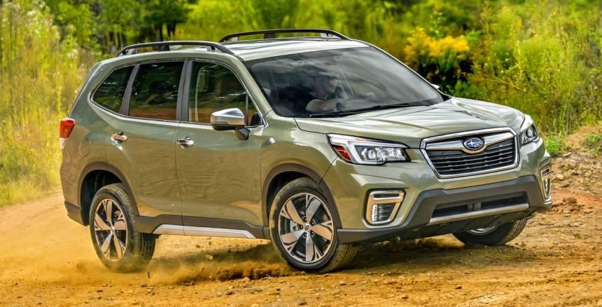 horoshie-vnedorozhniki-s-samym-ekonomichnym-rashodom-goryuchego-foto-novyj-Subaru-Forester-2019-2020