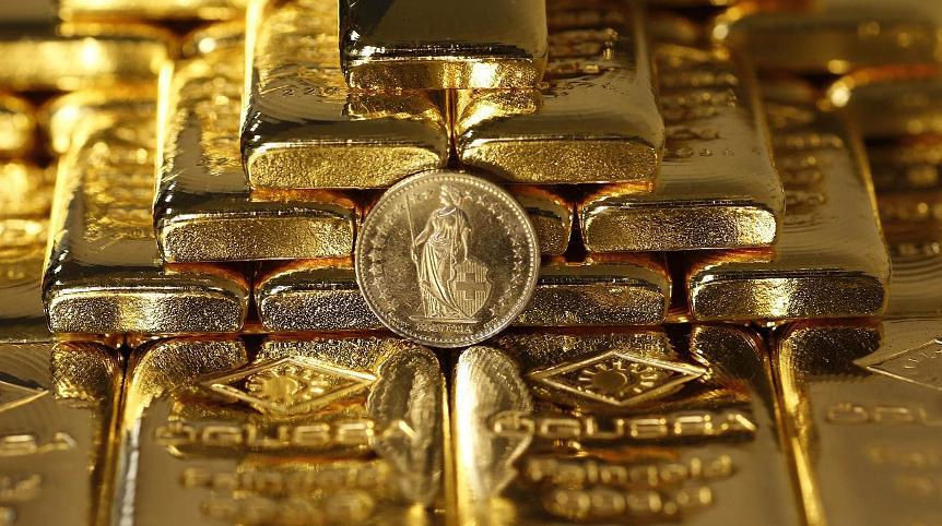zametki-o-samyh-rasprostranennyh-mifah-kasayushhihsya-dragotsennyh-metallov-foto-zolotye-slitki-serebryanaya-moneta-SHvejtsarii