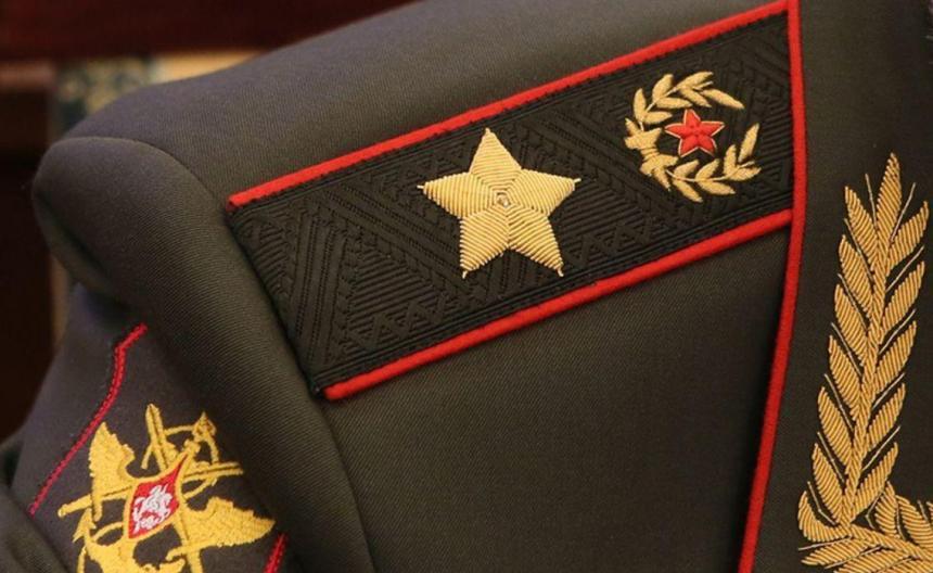 Test-voennye-pogony-rossijskoj-armii-ugadajte-kakogo-zvaniya-12-predstavlennyh-pogon-foto-pogon-general-armii