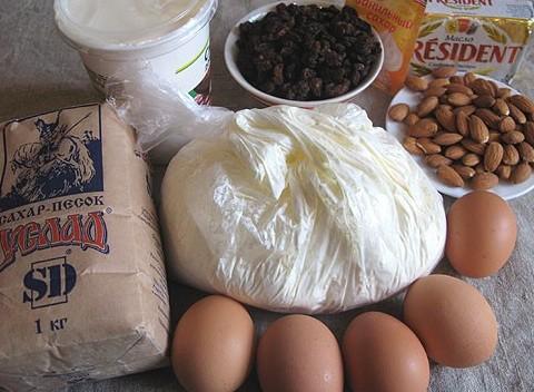 pasha-varenaya-s-mindalem-nezhnaya-i-ochen-vkusnaya-foto-ingredienty-dlya-pashi