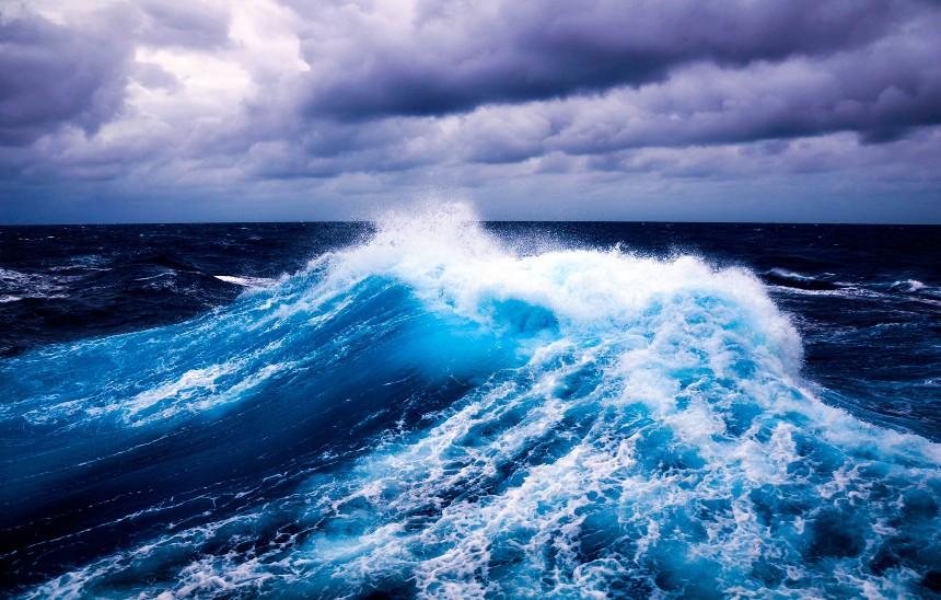 chto-predveshhayut-sny-o-shtorme-uragane-tsunami-stihijnom-bedstvii-foto-shtorm-v-okeane