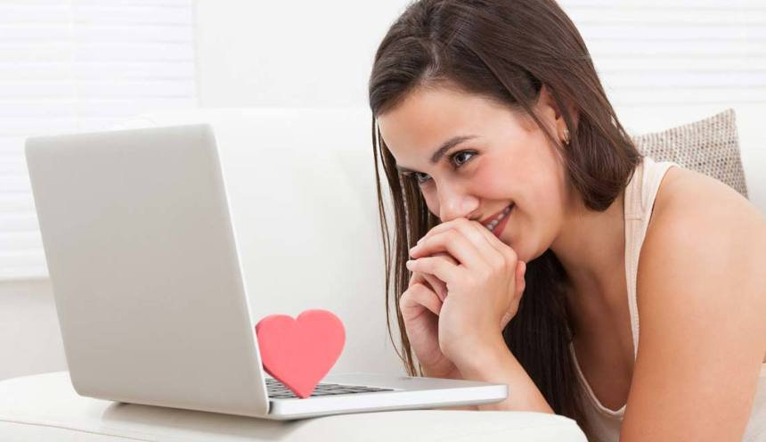 Картинки по запросу знакомство в интернете с девушками