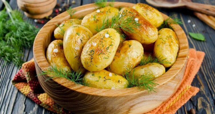 kak-prigotovit-molodoj-kartofel-vkusno-i-bystro-TOP-4-retsepta-foto-blyuda-iz-molodogo-kartofelya